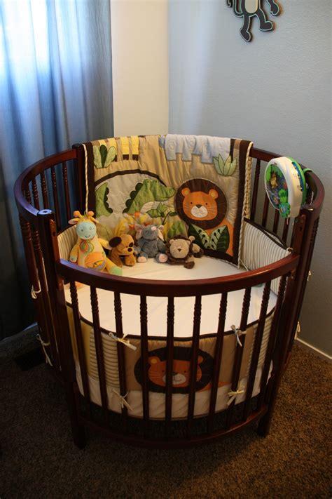 Round-Baby-Crib-Diy