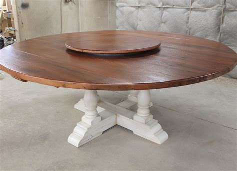 Round-Farmhouse-Table-With-Leaves
