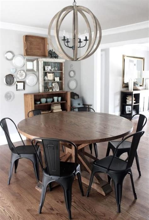 Round-Farmhouse-Table-With-Metal-Chairs