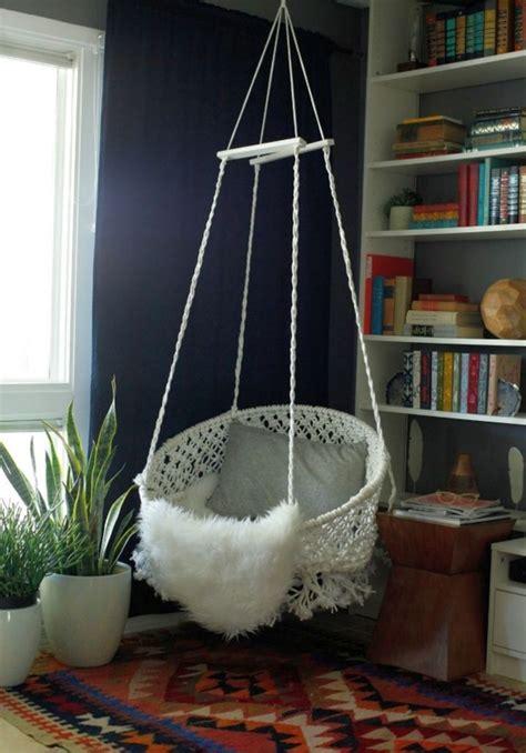 Round-Hanging-Chair-Diy