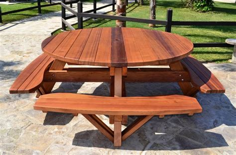 Round-Picnic-Table-Design-Plans