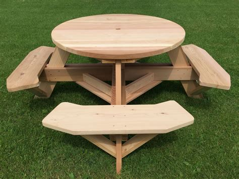 Round-Picnic-Table-Woodworking-Plans