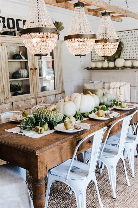 Rustic-Farm-Table-Decor