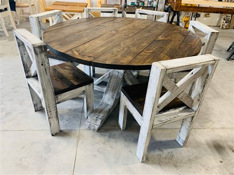 Rustic-Farmhouse-Dining-Table-Round
