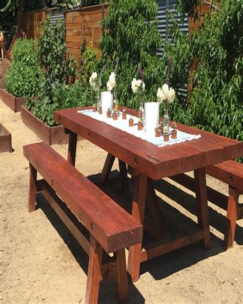 Rustic-Farmhouse-Picnic-Table