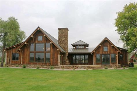 Rustic-Mountain-Ranch-House-Plans
