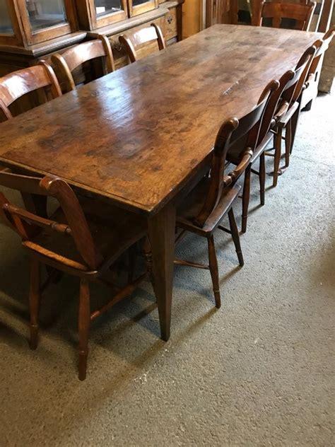 Rustic-Oak-Farmhouse-Table