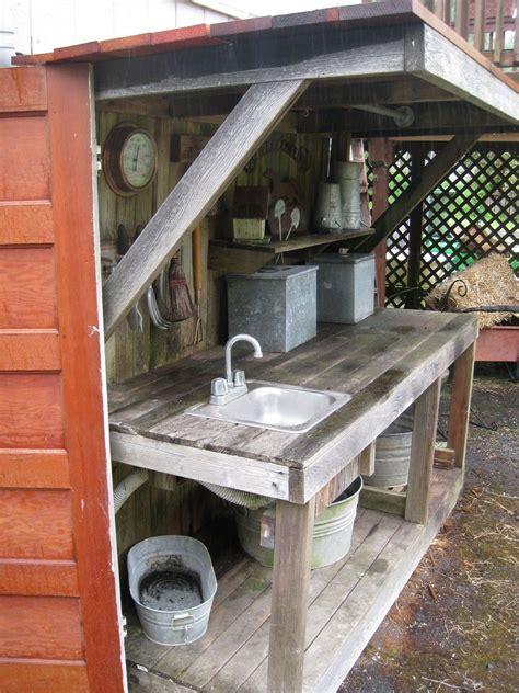 Rustic-Potting-Table-Plans