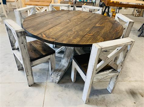 Rustic-Round-Farmhouse-Table-And-Chairs