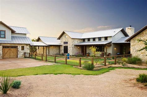 Rustic-Texas-House-Plans