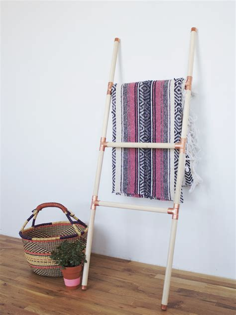 Rustic-Wood-And-Rope-Ladder-Diy-Instructions