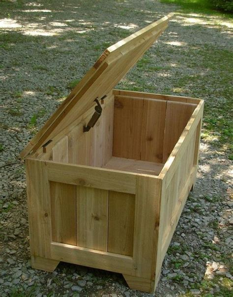 Rustic-Wooden-Toy-Box-Plans