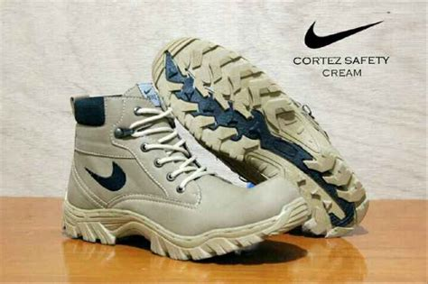 Safety Sneakers Nike