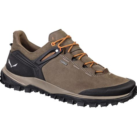 Salewa Men's Wander Hiker Leather Shoes & Cooling Towel Bundle