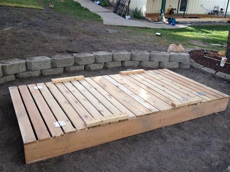 Sandbox-With-Lid-Building-Plans