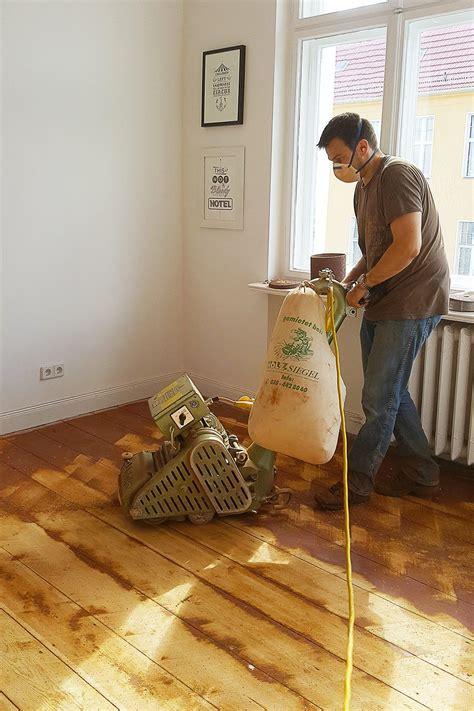 Sanding-Hardwood-Floors-Diy