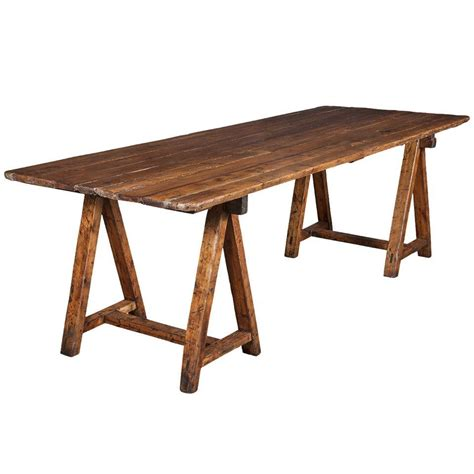 Sawhorse-Dining-Table-Plans