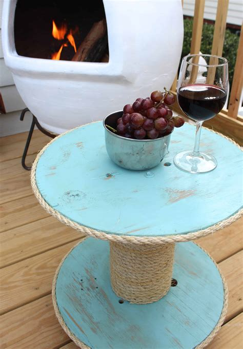 Seashell-Table-For-Outdoors-Diy