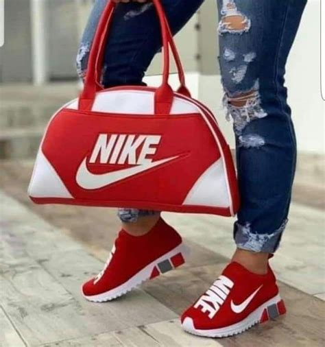 Set Nike Bag And Sneakers
