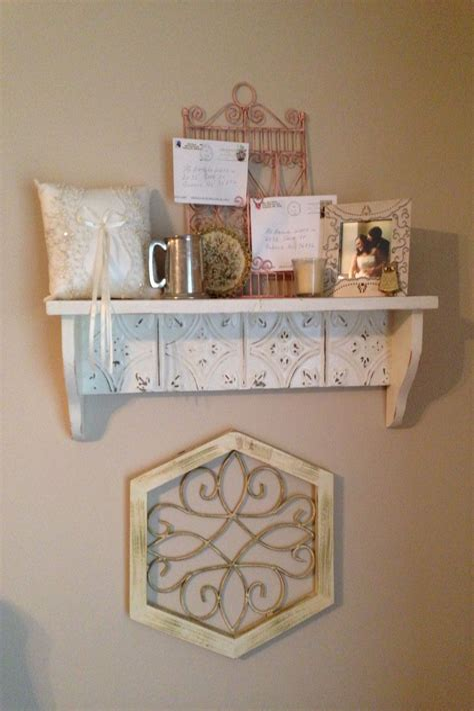Shabby-Chic-Bookshelf-Diy
