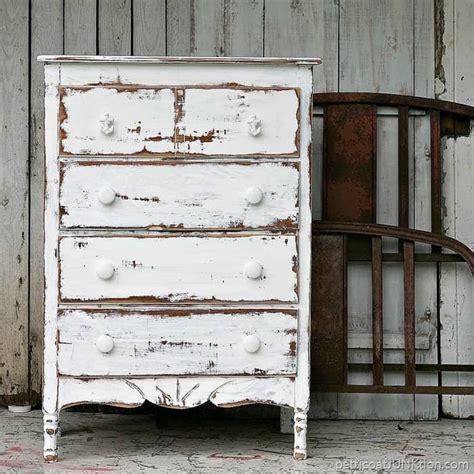 Shabby-Chic-White-Furniture-Diy