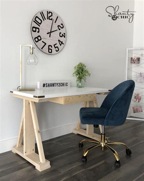Shanty-Chic-Diy-Writing-Desk