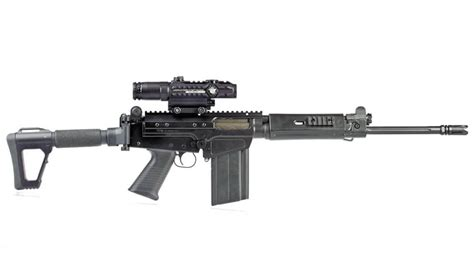 Shooting Illustrated  Ds Arms Sa58 Para Tactical Carbine.