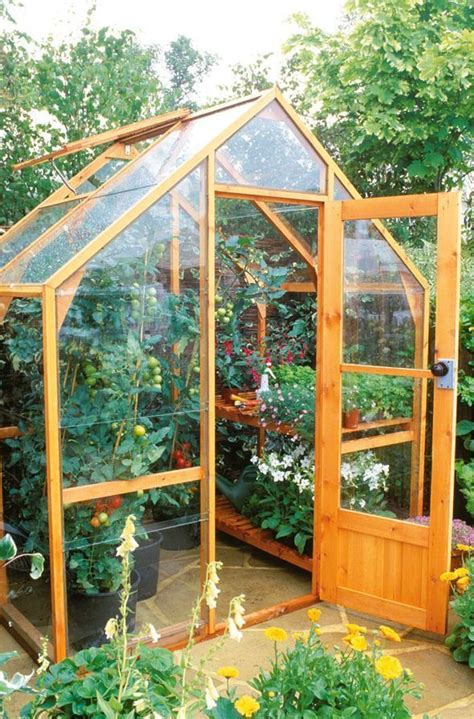 Simple Diy Greenhouse From Scraps
