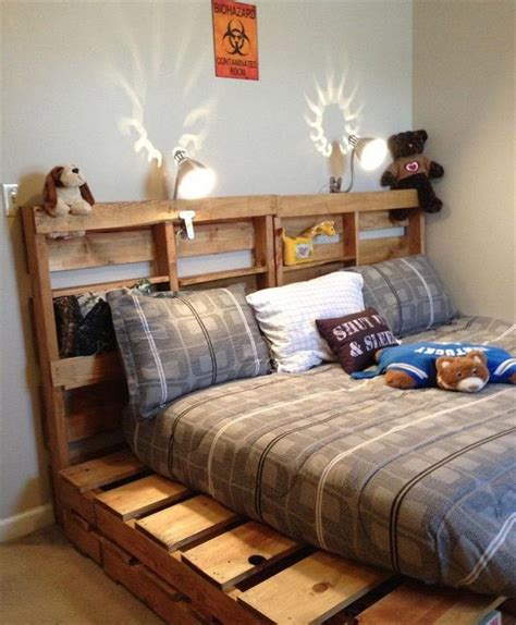 Simple Diy Pallet Bed Plans