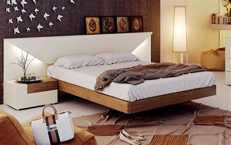 Simple Wooden Bed Designs With Storage