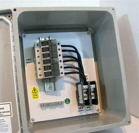 Simple-Diy-Solar-Combiner-Box