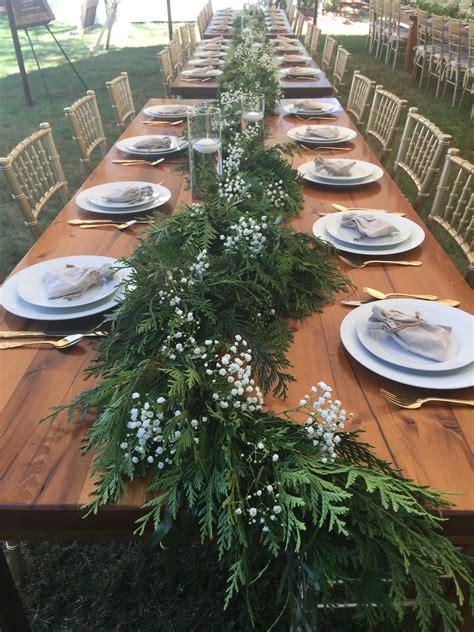 Simple-Farm-Table-Centerpiece
