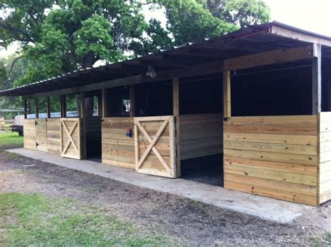 Simple-Horse-Stall-Plans