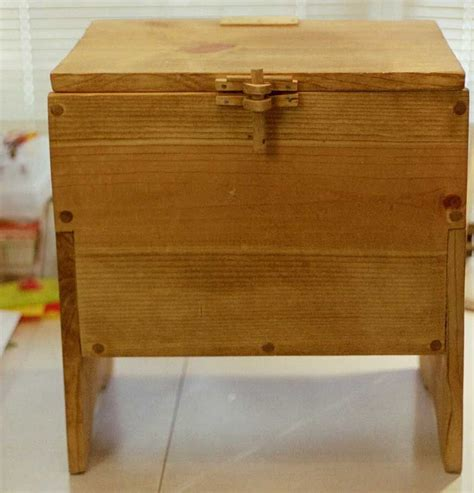 Simple-Medieval-Wooden-Chest-Plans