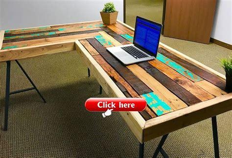 Simple-Pallet-Desk-Plans