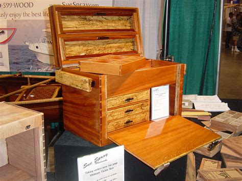Simple-Wooden-Tackle-Box-Plans