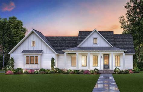 Single-Level-Modern-Farmhouse-Plans