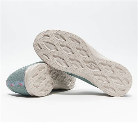 Skechers Gostep Slip On Sneaker