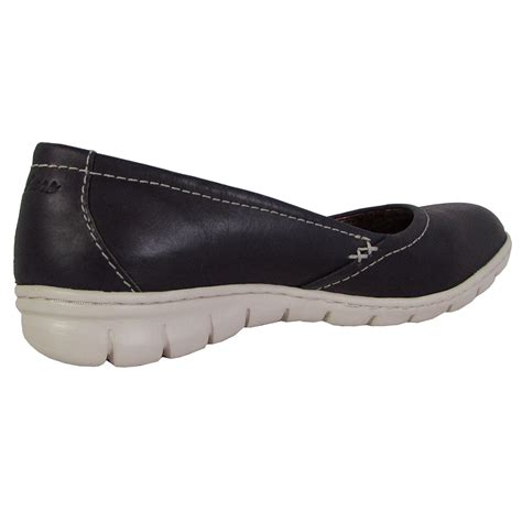 Skechers Womens Posie Slip On Sneaker Shoes
