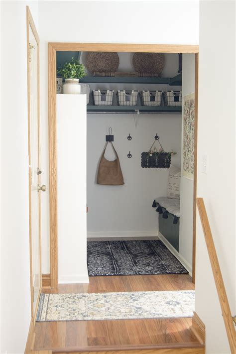 Small Farmhouse Plans With Mudroom