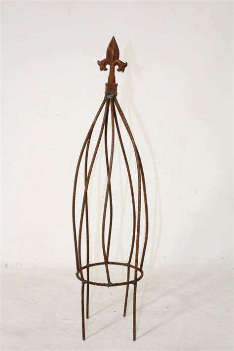 Small Metal Garden Obelisk