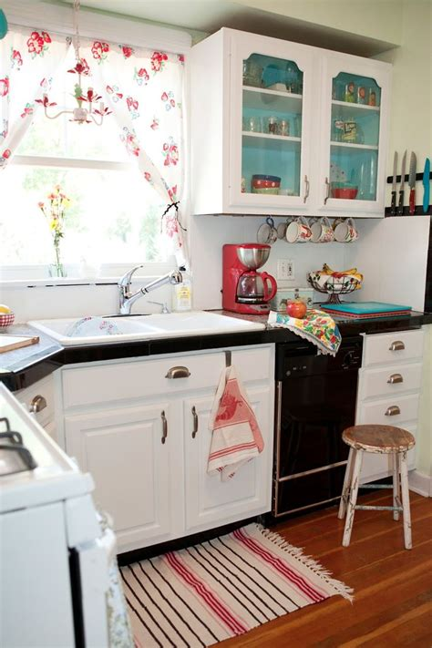 Small Vintage Kitchen Ideas