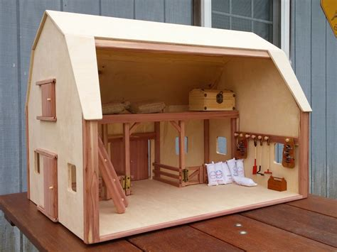 Small Wood Toy Barn
