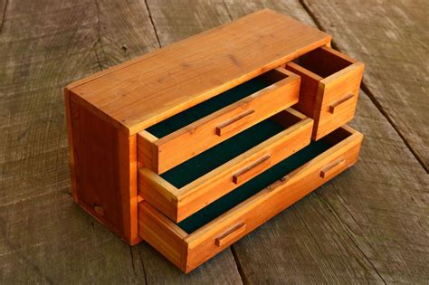 Small wooden tool box.aspx Image
