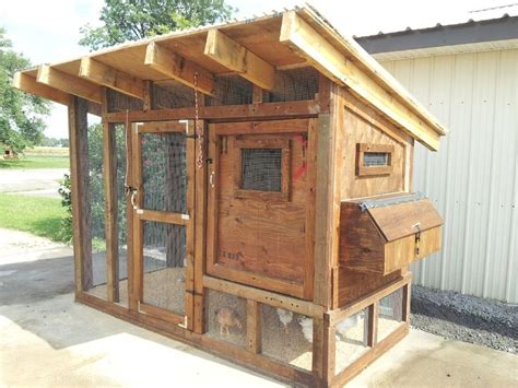 Small-Chicken-Coop-Building-Plans