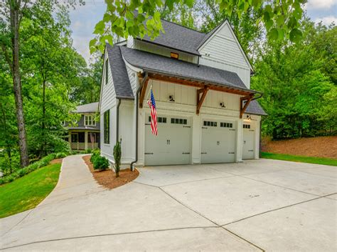 Small-Detached-Garage-Plans