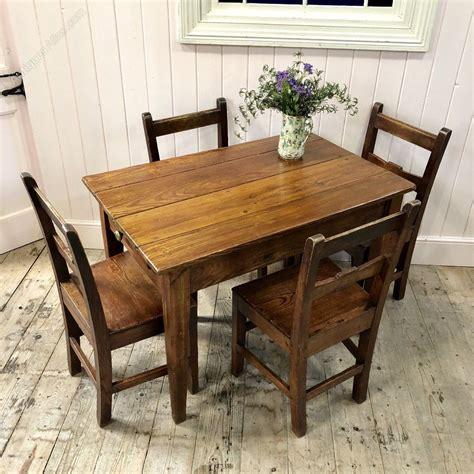 Small-Farm-Table-Kitchen