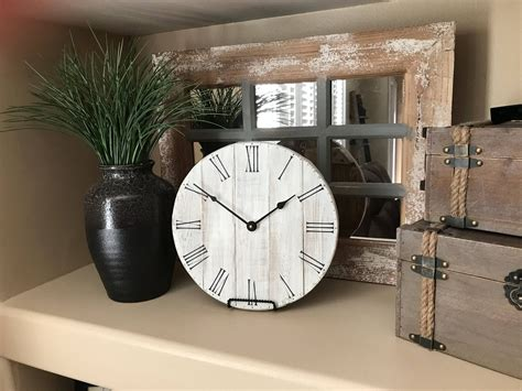Small-Farmhouse-Table-Clock