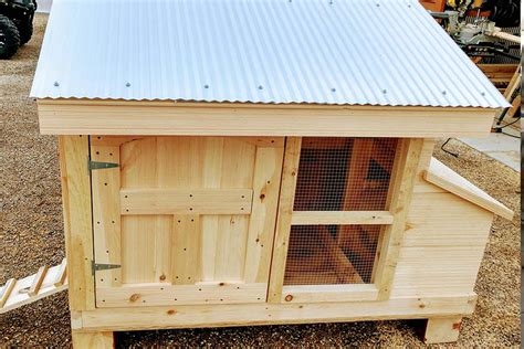 Small-Flock-Chicken-Coop-Plans