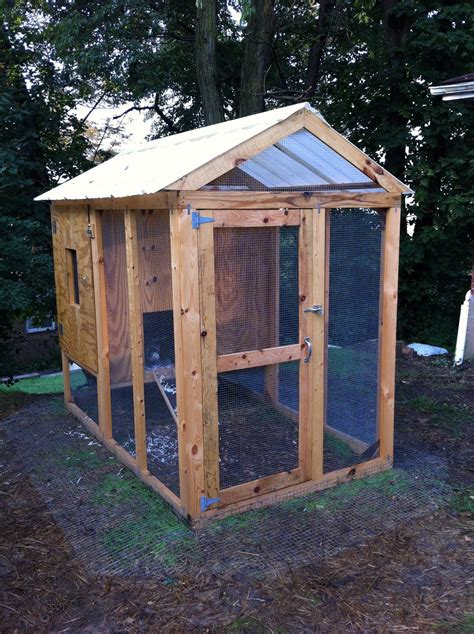 Small-Insulated-Chicken-Coop-Plans